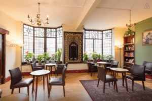 Photo of the India Club bar, courtesy of the India Club